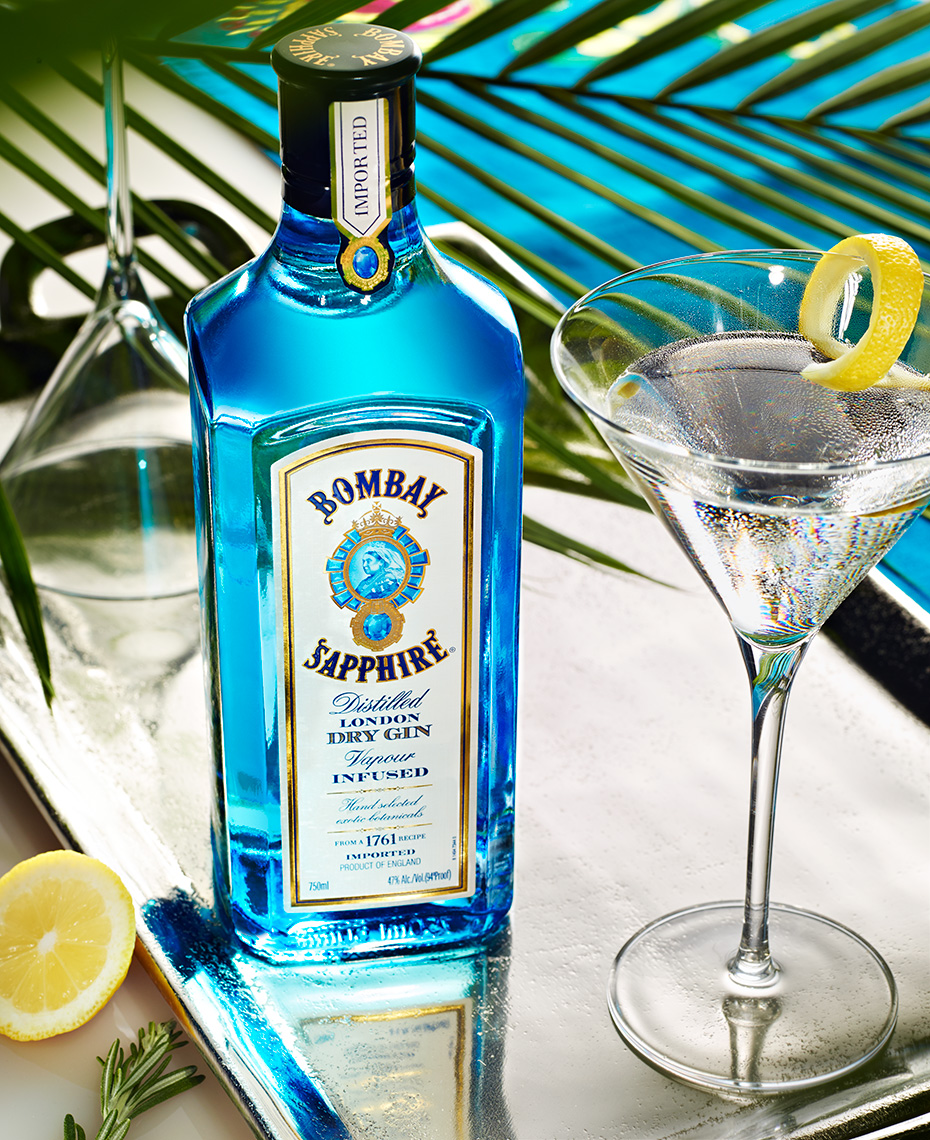 beverage photo of bombay-saphire-gin on location by brian kaldorf