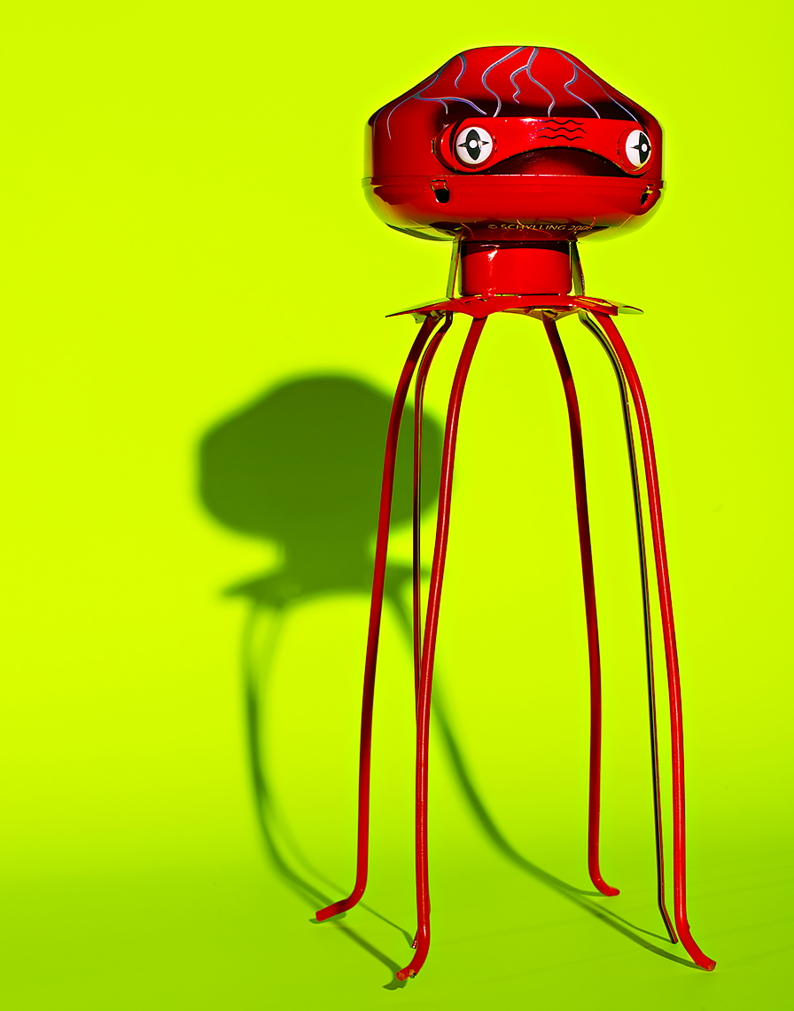product photo of tin toy martian by brian kaldorf
